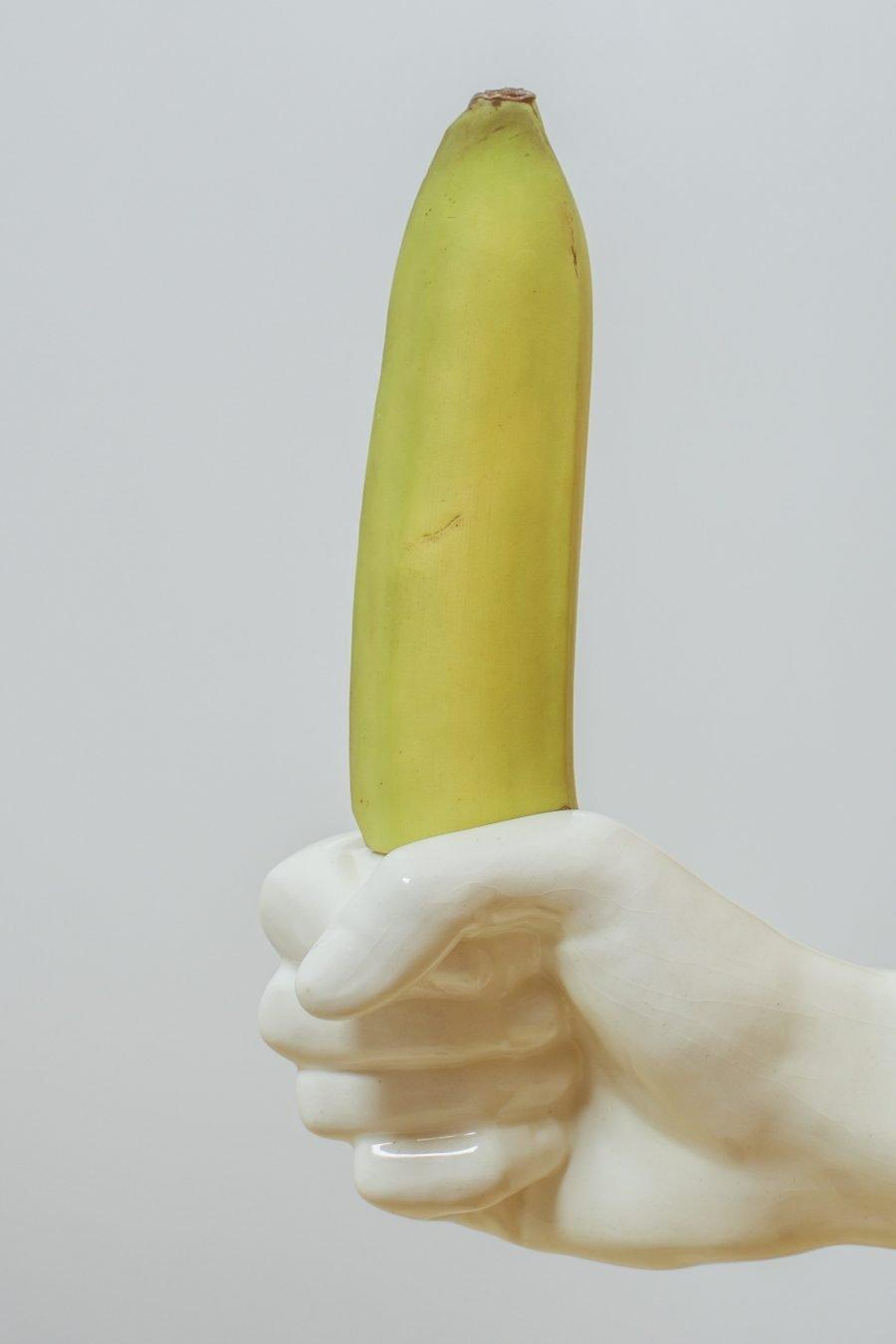 De penis is de vijand van de gigolo